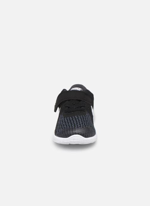 Sneaker Nike Nike Revolution 4 (Tdv) schwarz schuhe getragen