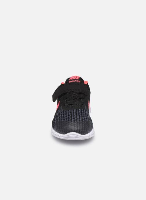 Deportivas Nike Nike Revolution 4 (Tdv) Negro vista del modelo