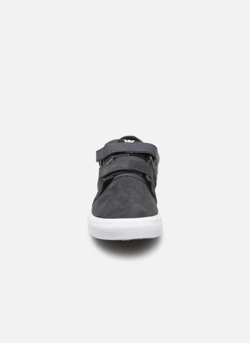Baskets Supra Stacks Vulc Ii W Gris vue portées chaussures