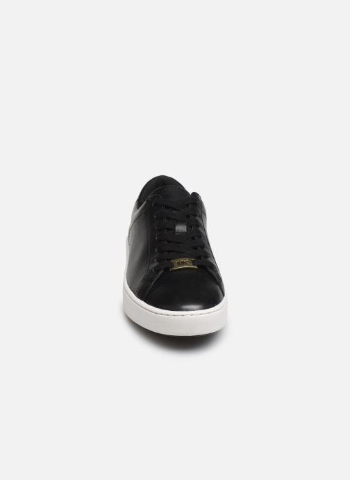 Sneakers Michael Michael Kors Irving Lace Up 2 Nero modello indossato