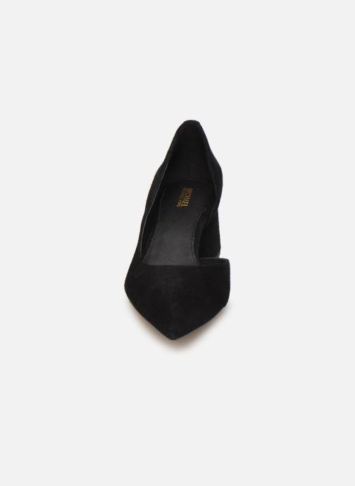 Zapatos de tacón Michael Michael Kors Dixon Pump Negro vista del modelo