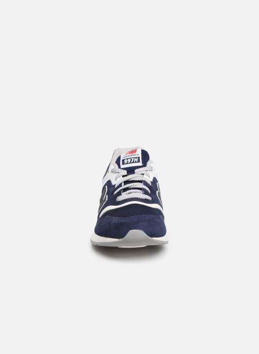 Baskets New Balance GR997 Bleu vue portées chaussures