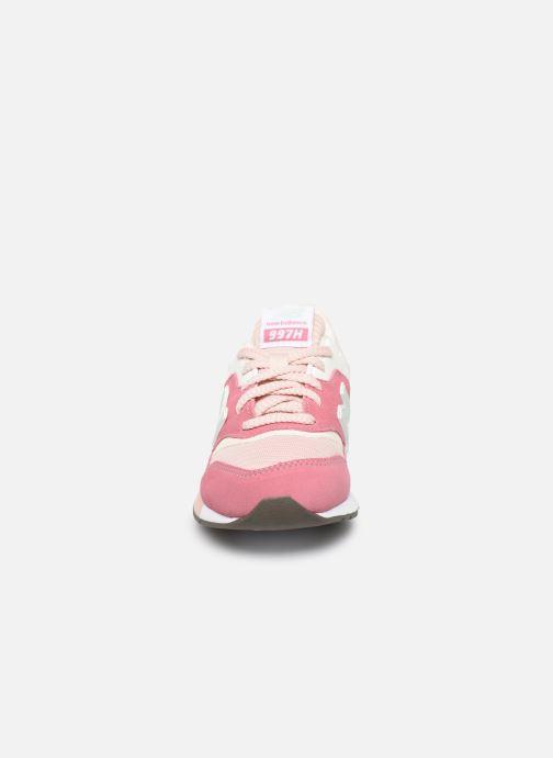 Baskets New Balance GR997 Rose vue portées chaussures