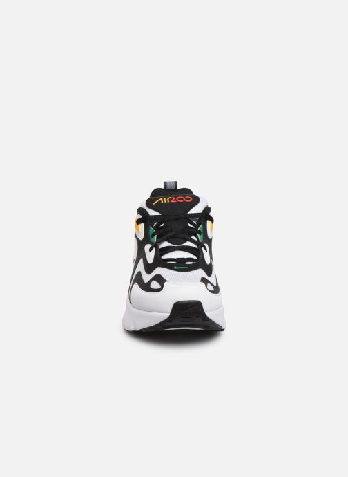 Baskets Nike Nike Air Max 200 (Gs) Blanc vue portées chaussures