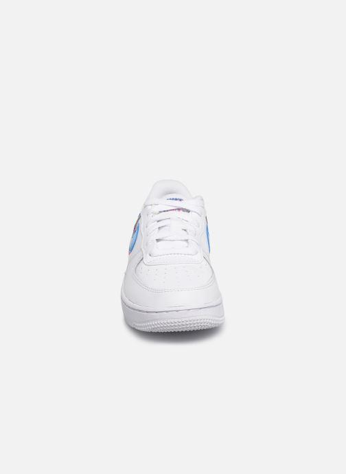 Baskets Nike Nike Force 1 Lv8 Ksa (Ps) Blanc vue portées chaussures