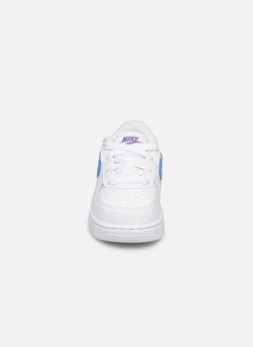 Deportivas Nike Nike Force 1 Lv8 Ksa (Td) Blanco vista del modelo