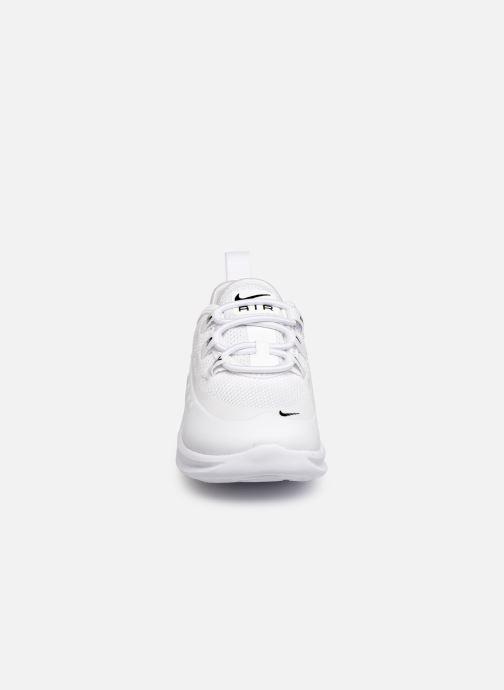 Baskets Nike Nike Air Max Axis (Td) Blanc vue portées chaussures