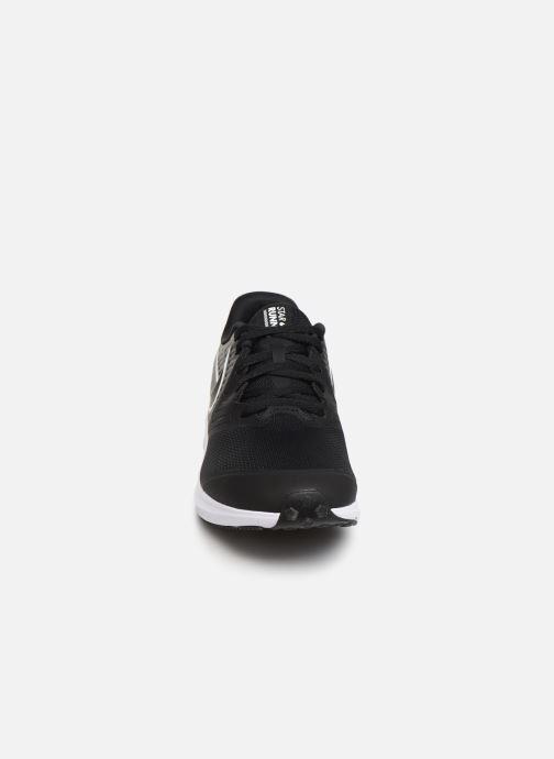 Sportschuhe Nike Nike Star Runner 2 (Gs) schwarz schuhe getragen
