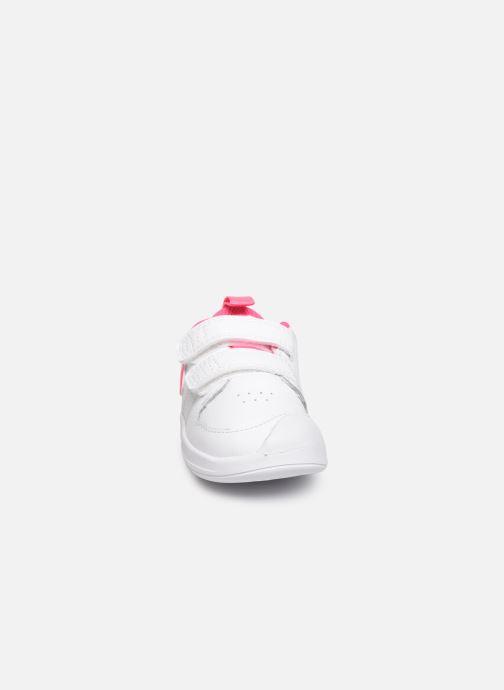 Deportivas Nike Nike Pico 5 (Tdv) Blanco vista del modelo