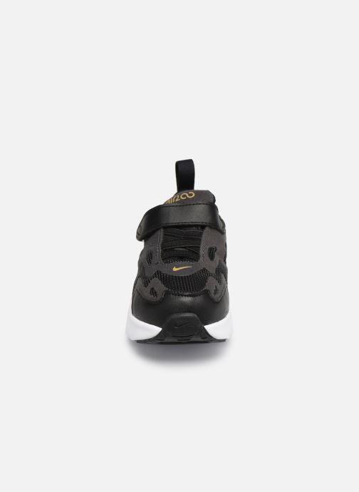 Baskets Nike Nike Air Max 200 (Td) Noir vue portées chaussures