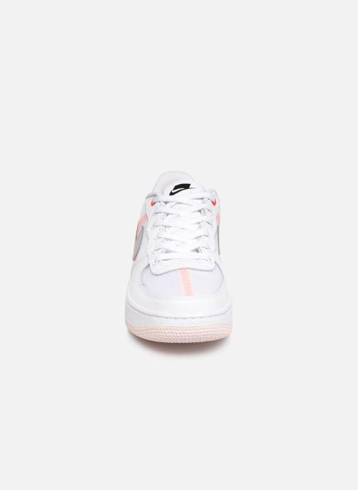 Baskets Nike Air Force 1 Lv8 1 (Gs) Blanc vue portées chaussures