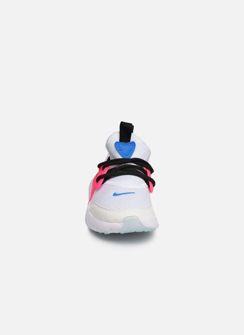 Baskets Nike Nike Rt Presto (Ps) Blanc vue portées chaussures