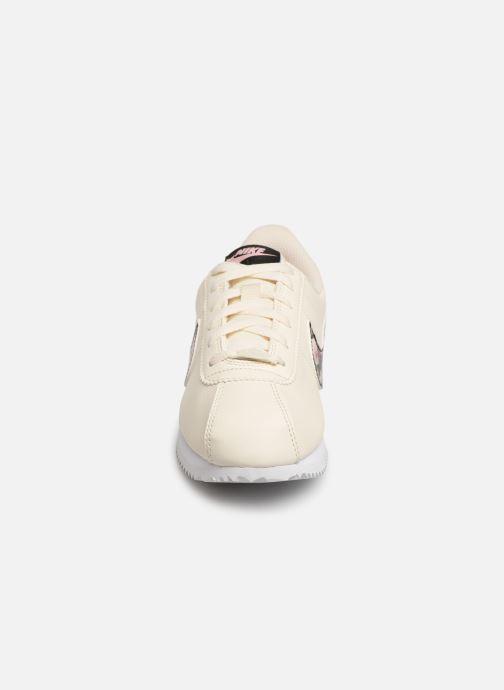 Baskets Nike Cortez Basic Ltr Vf (Gs) Blanc vue portées chaussures
