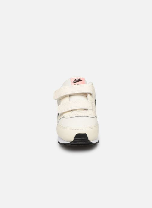 Sneaker Nike Nike Md Runner 2 Vf (Tdv) weiß schuhe getragen