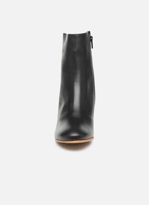 Boots en enkellaarsjes Another Project Fanny C Zwart model