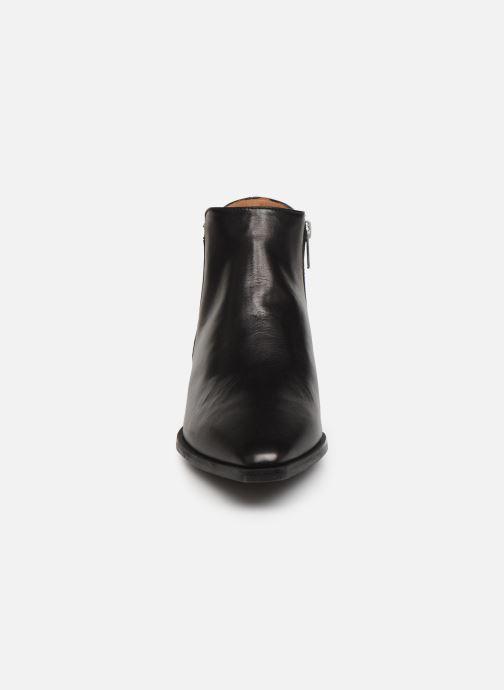 Ankelstøvler Flattered Nata C Sort se skoene på
