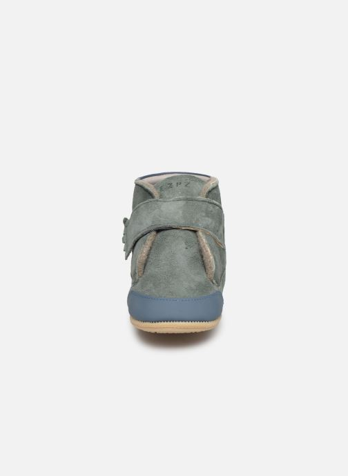 Chaussons Easy Peasy Itimb Gris vue portées chaussures