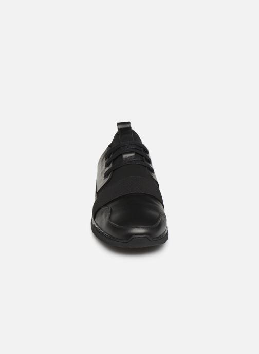 Baskets Piola RIMAC Noir vue portées chaussures