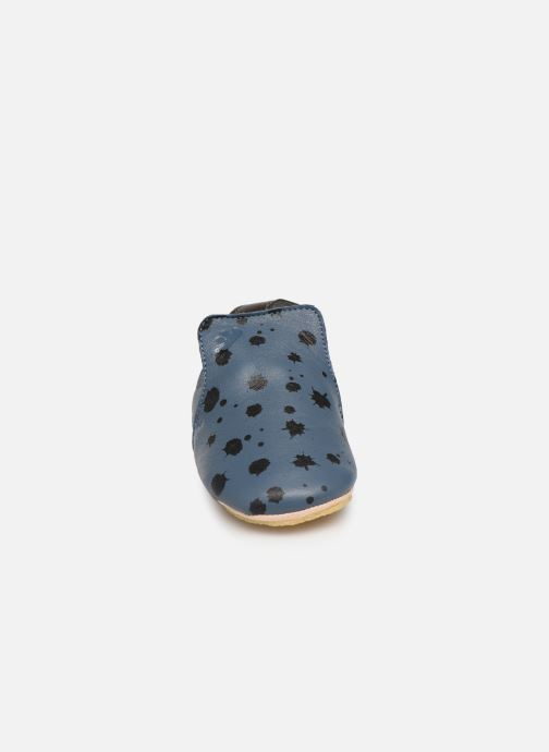 Pantuflas Easy Peasy Blublu Ink Azul vista del modelo