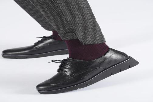 Chaussures à lacets The Flexx Brent Noir vue bas / vue portée sac