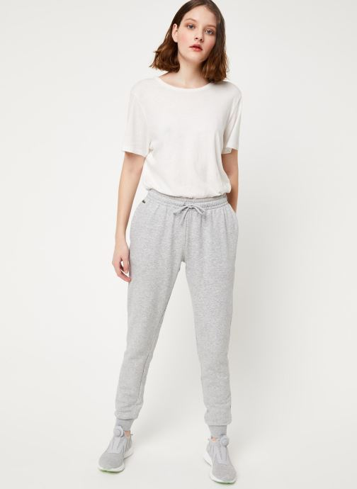 Vêtements Lacoste Pantalon XF3168-00 Gris vue bas / vue portée sac
