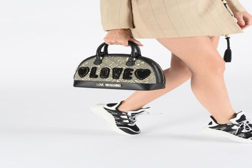 Handbags Love Moschino NEW FUN JACQUARD Bronze and Gold view from underneath / model view