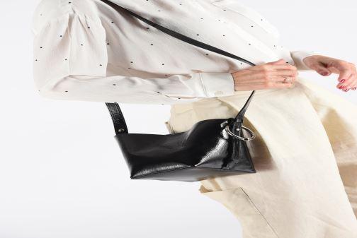 Sacs à main Rebecca Minkoff MINI KATE BUCKET NAPLACK Noir vue bas / vue portée sac