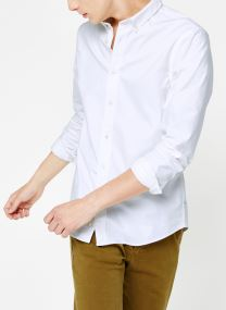 Shirt with contrast details