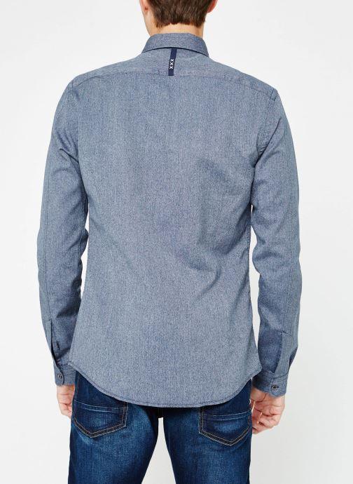 Vêtements Scotch & Soda Blauw oxford shirt in solids, stripe and checks Bleu vue portées chaussures
