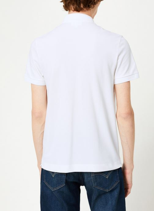 Vêtements Lacoste Polo Regular Fit Manches Courtes Blanc vue portées chaussures