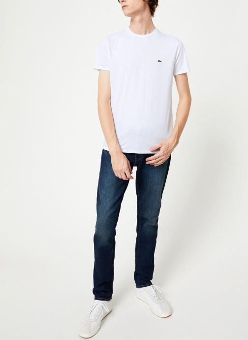 Vêtements Lacoste Tee-Shirt Classique Manches Courtes Blanc vue bas / vue portée sac