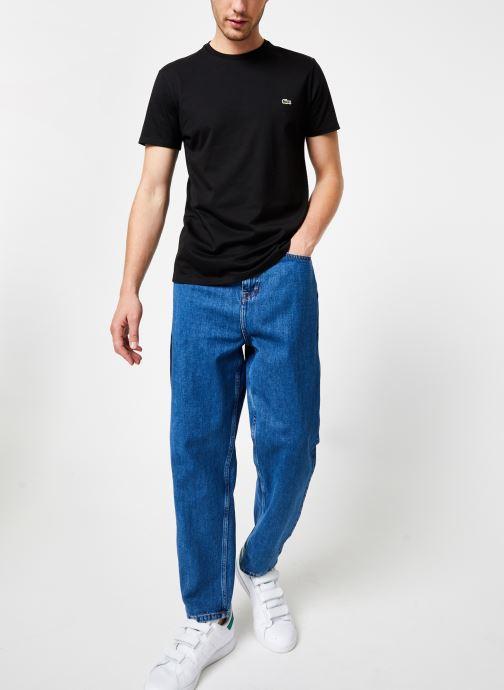 Vêtements Lacoste Tee-Shirt Classique Manches Courtes Noir vue bas / vue portée sac