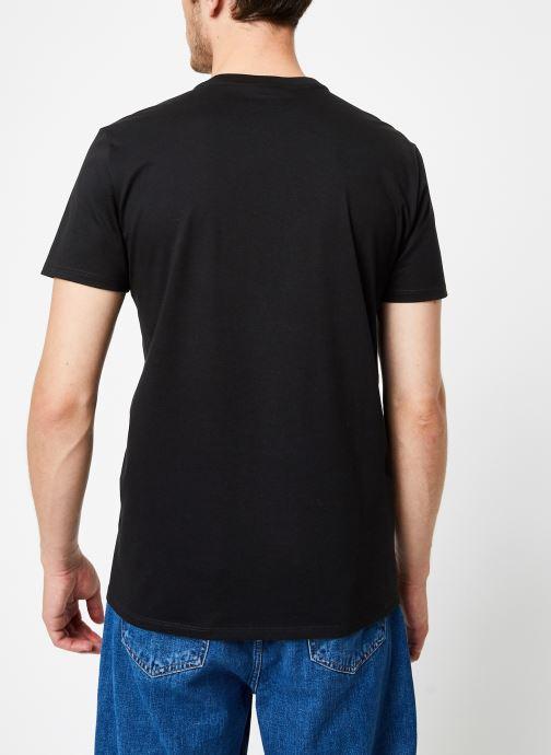 Vêtements Lacoste Tee-Shirt Classique Manches Courtes Noir vue portées chaussures