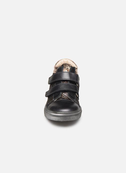 Baskets Bopy Savavel Gris vue portées chaussures