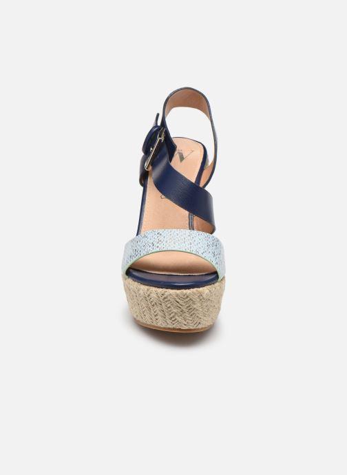 Espadrilles Vanessa Wu SD1271 Bleu vue portées chaussures