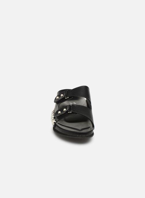 Mules et sabots Vanessa Wu SD1783 Noir vue portées chaussures