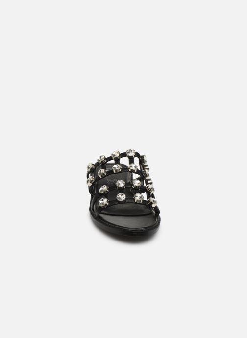 Mules et sabots Vanessa Wu SD1771 Noir vue portées chaussures