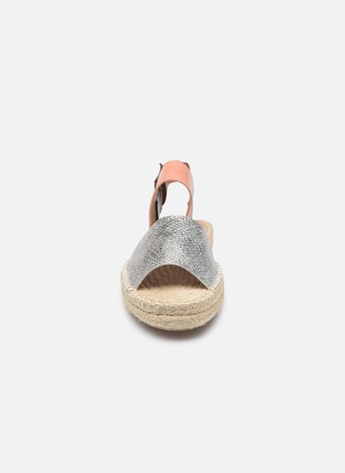 Sandalen Vanessa Wu SD1283 silber schuhe getragen