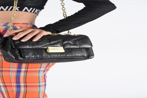 Bolsos de mano Zadig & Voltaire ZIGGY MAT CLOUS Negro vista de abajo