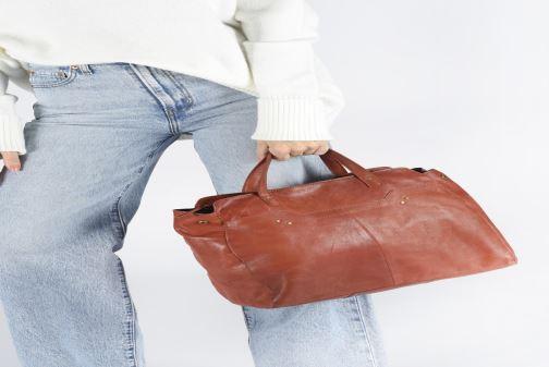Bolsos de mano Pieces Cora Leather Daily Bag Negro vista de abajo