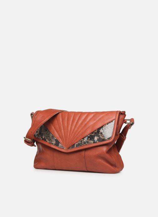 Sacs à main Pieces Conner Leather Crossbody Orange vue portées chaussures