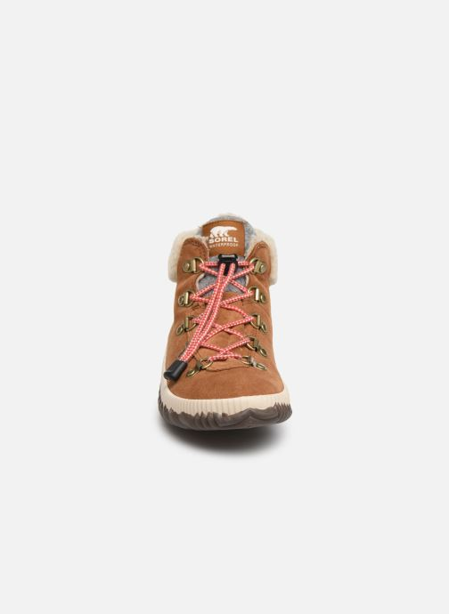 Stiefeletten & Boots Sorel Youth Out N About Conquest braun schuhe getragen