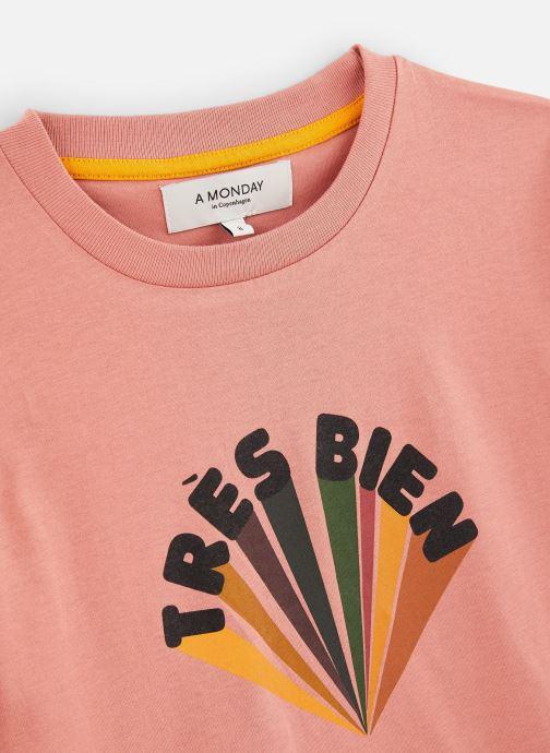 Vêtements A Monday In Copenhagen  Trés Bien T-shirt Orange vue portées chaussures
