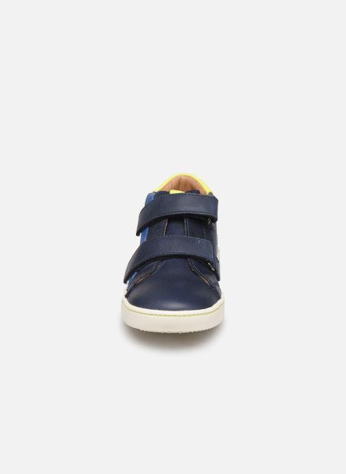 Sneakers Aster Waouh Azzurro modello indossato