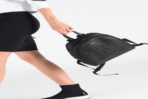 Rucksäcke Desigual SOFT BANDANA VENICE MINI schwarz ansicht von unten / tasche getragen