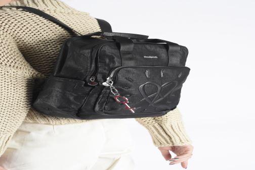 Rucksäcke Desigual LEGEND RANDERS schwarz ansicht von unten / tasche getragen