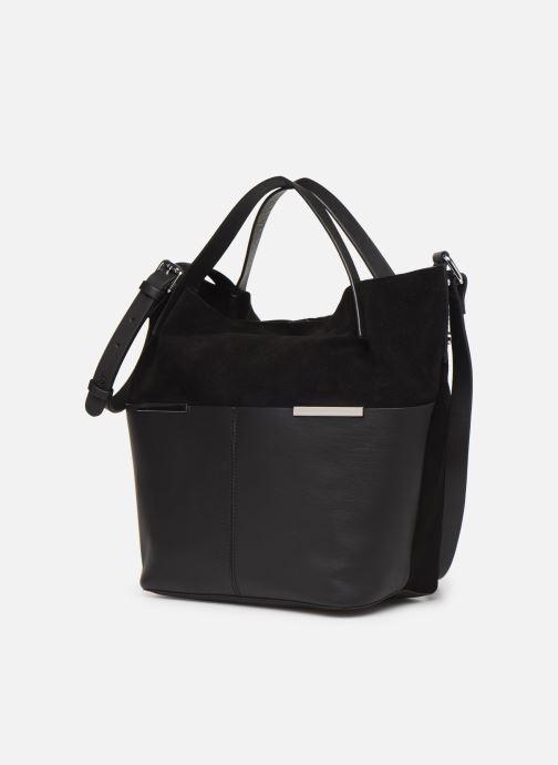 Sacs à main Esprit Uma Leather city bag Noir vue portées chaussures