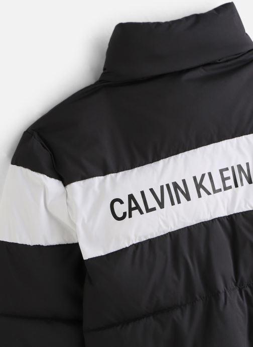 Vêtements Calvin Klein Colour Block Puffer Bomber Noir vue portées chaussures