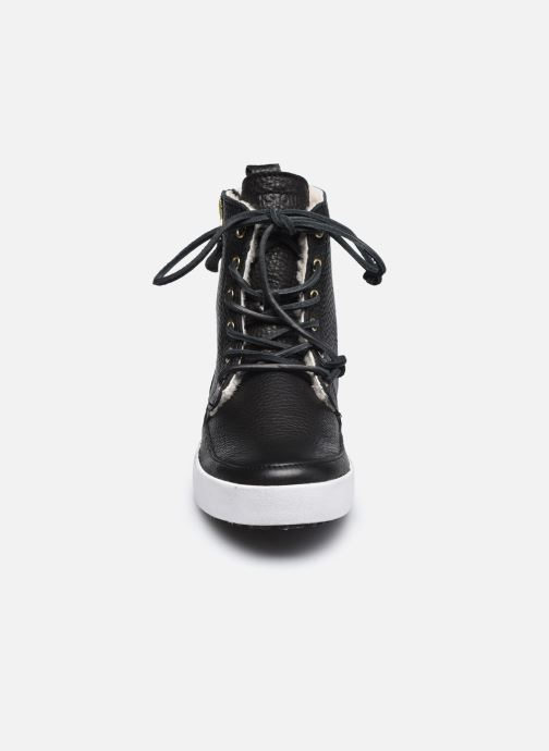 Baskets Blackstone CW96 Noir vue portées chaussures