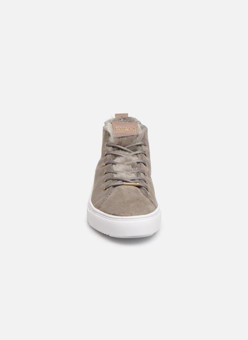 Baskets Blackstone QL48 Gris vue portées chaussures
